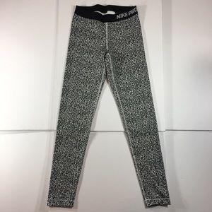 Nike Pro Women's Activewear Leggings (Medium)